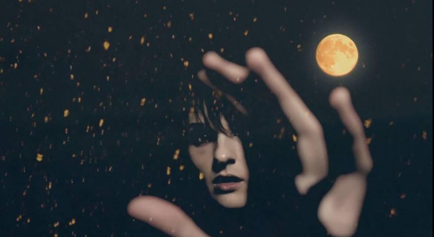 02 Luminous-music video screen photo of Marthe