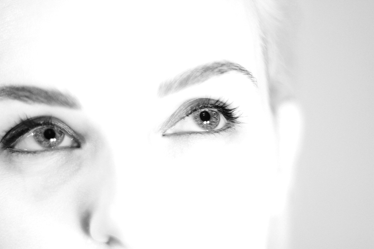 nr 3-At first sight-black and white photo series-Marthe