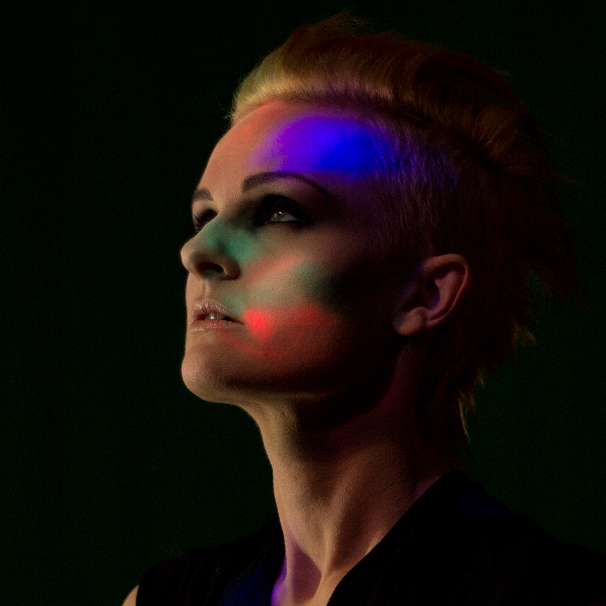 Flickering lights-photo shoot-artist picture-Marthe