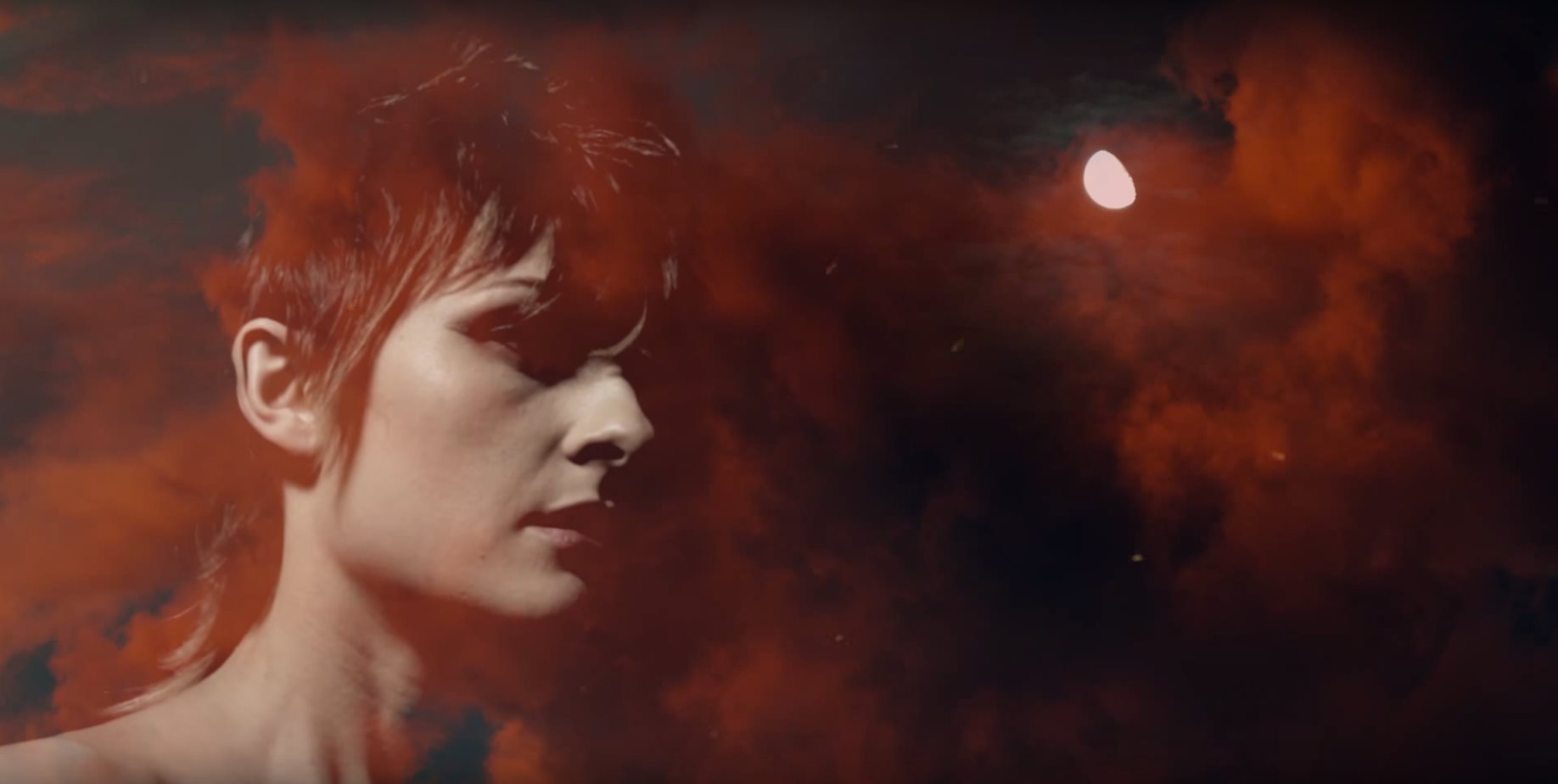 Luminous-music video screen photo of Marthe